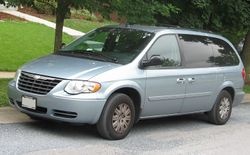 2005-2007 Chrysler Town & Country LX LWB